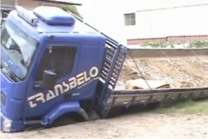 http://www.monolitospost.com/wp-content/woo_custom/1460-caminhao3.jpg