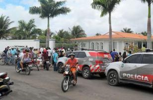 http://www.monolitospost.com/wp-content/woo_custom/4635-ex-prefeito_de_tiangu%C3%A1_%C3%A9_preso.JPG